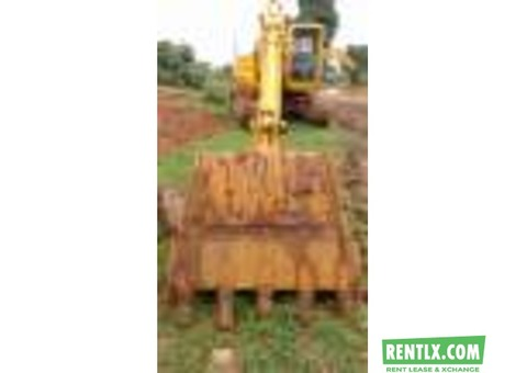 Excavator Komatsu L&T PC200 available on rent