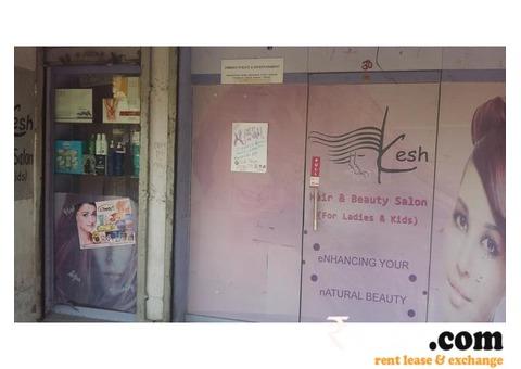 Beauty parlour for rent