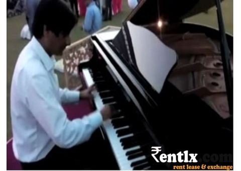 Piano Artist in Delhi ncr, Piano Players in Delhi