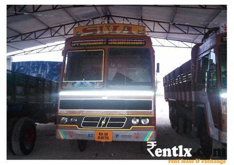 Good Condition 2 Lorry With Driver on Rent in Kochi