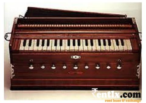 Harmonium Available on Rent in Delhi
