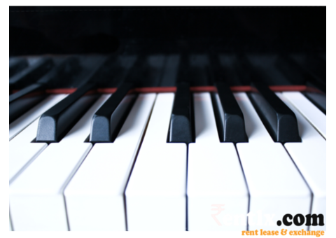 Music Instrument Piano on Rent in Delhi